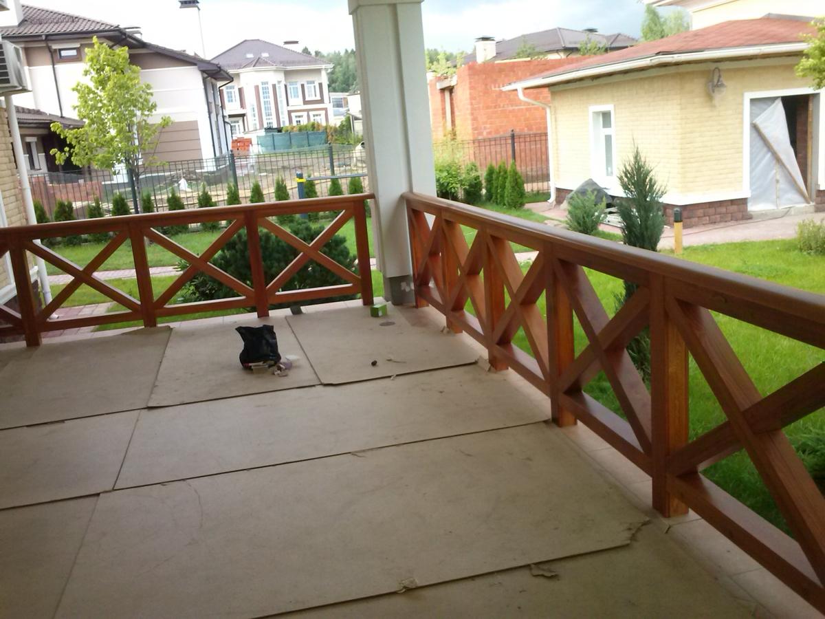 Купить деревянные ограждения для балконов и террас, каталог .