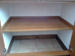 Полки со скрытым креплением настенные полки из массива мебел.
