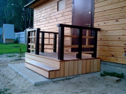 Крыльцо деревянное